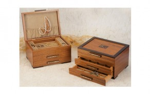 Wooden Jewelry Box with Gingko Leaf Design
